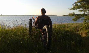 Ostsee3rad - Liegedreirad und Meer